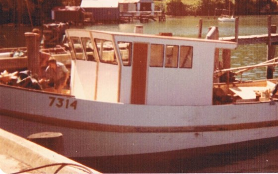 The Jean also got Peter's first flat panel construction in the form of a new wheelhouse